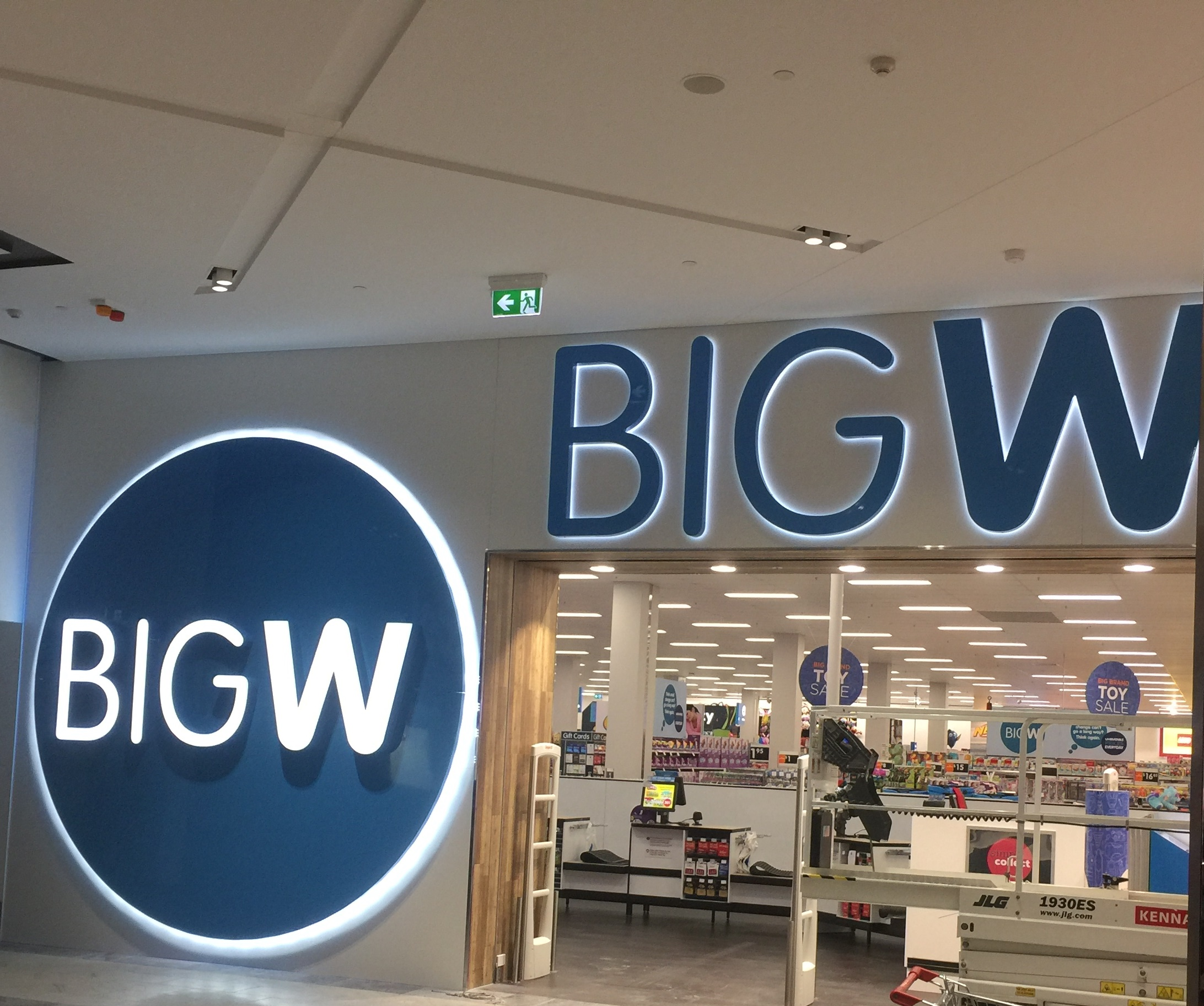 Big W - Pacific Fair